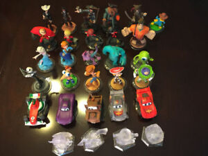 27 DISNEY INFINITY FIGURES, 2.0 GAME, DISCS AND PLAYSETS