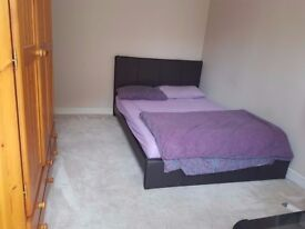 STUDIO TO LET £ 725 ONLY