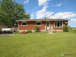 $635,000 - Bungalow for sale in Mount Hope