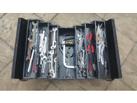 MIX TOOLS IN BOX