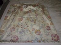 1980s M&S CURTAINS,SHEET, LAMPSHADE ETC.