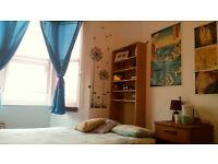 Cosy double bedroom in Bedminster