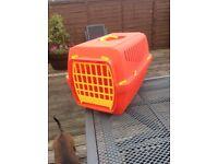 Pet carrier/box