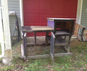 Rabbit hutch/chicken coop for sale