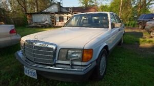 1987 Mercedes 420SEL White/Navy Leather
