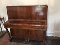 Piano - Smiths piano in need of tuning