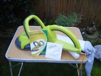 A GROOM MIDI HEDGE TRIMMER WITH BAG