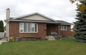 Just Listed - 1456 S.F. Bungalow in East Kildonan!