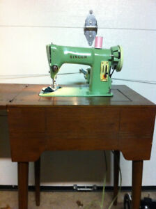 Singer 185j Sewing Machine with Extras