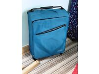 Medium Suitcase in blue