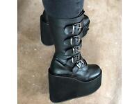 Demonia Swing 220 boots uk6