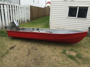 12 ft Aluminum Boat with 15 Hp Envinrude