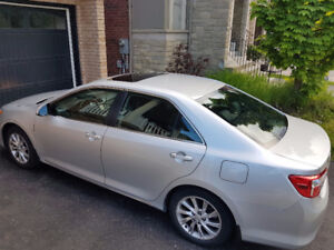 2014 Toyota Camry LE - Excellent Condition, Sunroof