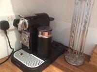 Nespresso machine / milk froth + capsule holder