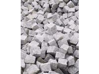 GRANITE SETTS SILVER GREY PAVING COBBLES 100 mm x100 mm x100 mm ( 1 tonne-4,8m2 )