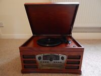 Wooden retro turntable with Cd, Radio and tape player