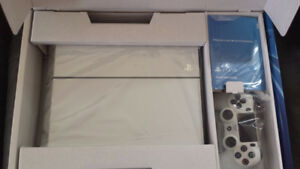 White ps4 slim 2 games