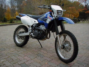 Mint shape 2001 DRZ400 Forsale, 2800 if Gone bye SATURDAY