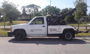 2000 Chevy 3500 tow truck lots of work done