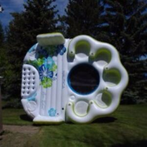 Party island inflatable