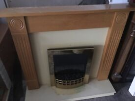ELECTRIC FIRE WITH FULL SURROUND EXCELLENT CONDITION