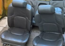 FREE FREE FREE 2 LEATHER CAR SEATS CAME OUT OF NISSAN X-TRAIL