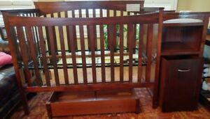 Hampton Convertible Crib N Bed with Changer Combo Unit