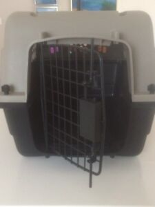 Dog/puppy kennel/crate