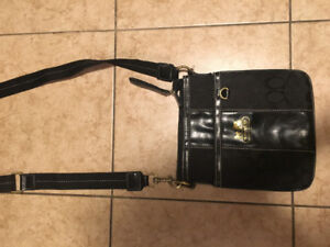 Black coach non authentic crossbody bag