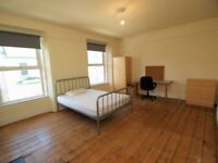 Plymouth Prime Location 6 minutes walk to the Campus! Spacious Room with Friendly Neighbourhood