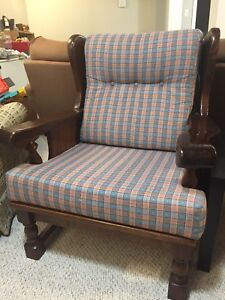 Couch and matching arm chair