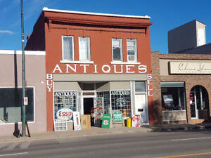 GRANDMAS ANTIQUES... OPEN TUESDAY to  SATURDAY