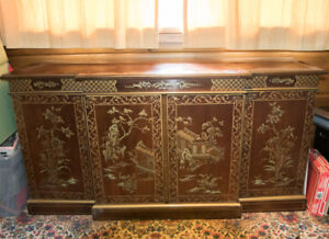 Solid wooden cabinet Chinese motif