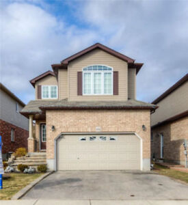 3 Bedrooms Spacious Detached,4 washroom+Finished Basement House
