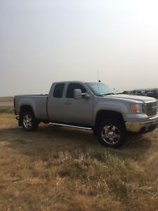 CLEAN!! 2007.5 EXT CAB GMC