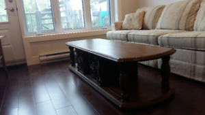 Table basse syle antique / Antique-style coffee table