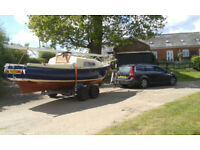 PRIVATEER 20 SAILING BOAT AND TRAILER IN EXCELLENT CONDITION - VERY ATTRACTIVE WELL CARED FOR BOAT