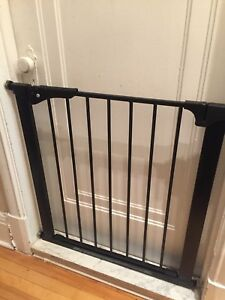 Baby security gate