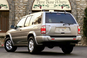 2001 Nissan Pathfinder PARTS FOR SALE- ENGINE+ TRANNY INCLUDED