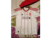 Liverpool kit signed by pepe reina