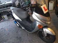 Excellent 125CC Suzuki moped for sale