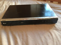 LG BD390 BluRay Player - very good condition. With remote and HDMI cable