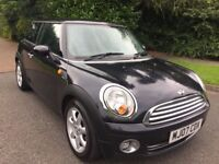 MINI ONE 1.4 07 REG IN BLACK WITH BLACK TRIM, AIR CON AND ALLOYS WITH FULL SERVICE HISTORY,MOT JULY