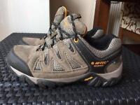 Hi tec waterproof walkin boots brand new size 7