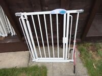 no 9 ) stair gate auto close from bettercare with fittings
