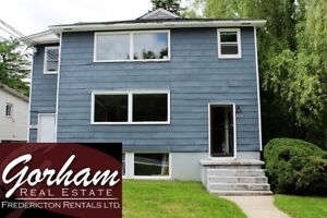 3 BEDROOM - AUGUST 1ST - SECONDS FROM CAMPUS - BRIGHT & SPACIOUS