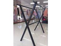 Double Black Cross Over Fashion Retail Clothes Rail Hanger for Shop