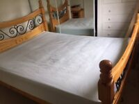 BARGAIN: King size Good condition matress.