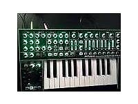 Roland system-1 synthetizer
