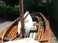 TWO24 Deluxe 12 plank boat